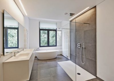 LG-Bathroom
